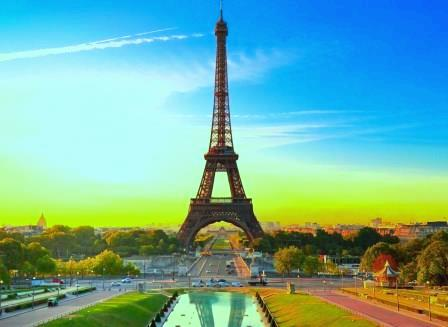 Eiffel-Tower-Paris-France-192